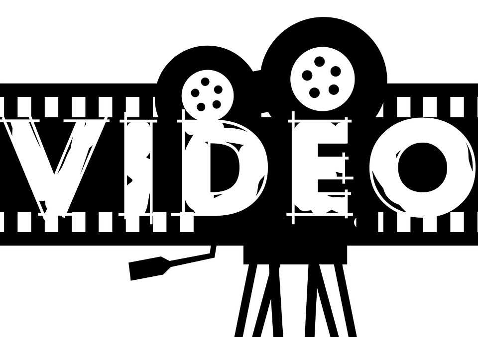 映画館、レンタル(ゲオやTSUTAYA等)、動画配信サービスの3つを比較